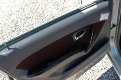 Painel de controle na porta de carro fotografia de stock