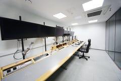 Painel de controle na sala para montar filmes Imagem de Stock