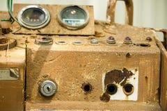 Painel de instrumento da maquinaria velha imagens de stock