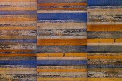 Painel de madeira velho com vário Pale Painted Imagens de Stock