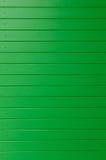 Painel de parede de madeira verde como o fundo imagens de stock royalty free