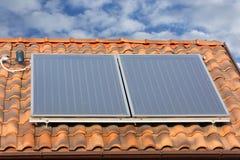 Painel solar do aquecimento de água Fotografia de Stock Royalty Free