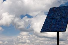 Painel solar no céu III Fotografia de Stock Royalty Free