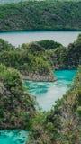 Painemo-Insel, blaue Lagune, Raja Ampat, West-Papua, Indonesien Lizenzfreie Stockbilder