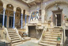 Painings för yttre vägg av havelien, Mandawa, Indien Arkivbilder