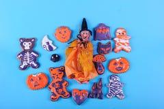 Pains d'épice et sorcière de Halloween Image stock