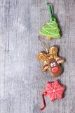 Pains d'épice modelés faits main de Noël Image stock