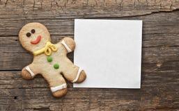 Pains d'épice peints par Noël fait maison (bonhomme en pain d'épice) Images libres de droits