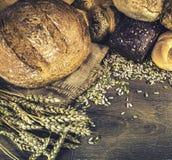 Pains de pain et des petits pains de pain Image libre de droits