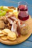 Pains grillés avec de la viande, fromage Images stock