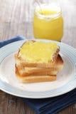 Pains grillés avec du miel Photos libres de droits