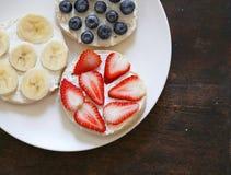 Pains grillés de petit déjeuner Photos libres de droits