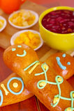Pains latino-américains savoureux traditionnels de guagua d'installation élégante, décorations colorées de sucre, cuvette avec la Images libres de droits
