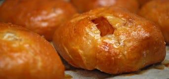 pains savoureux avec des fruits à l'intérieur Photo stock