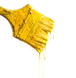 Paintbrush z żółtą farbą zdjęcia royalty free