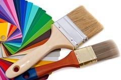 Paintbrushes и образцы цвета Стоковые Фото