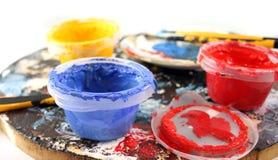 paintbrushes предпосылки белые Стоковое Изображение RF