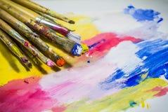 Paintbrushes с цветом стоковая фотография rf