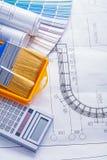 Paintbrushes projektów kalkulator staczający się kolor Fotografia Royalty Free