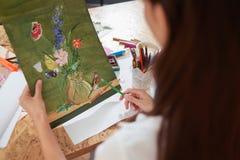Painte mienia ołówek i obrazek uroczy kwiaty zdjęcia royalty free