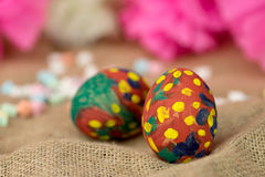Painted egg on burlap Royalty Free Stock Photo