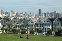 Painted ladies. (victorian houses) at San Francisco's Alamo Square Stock Images