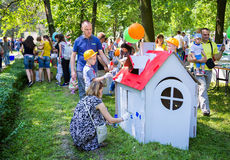 Painting cardboard houses activity Royalty Free Stock Images