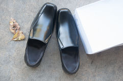 Pair of black male shoes Royalty Free Stock Images