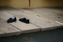 A pair of black shoes Royalty Free Stock Photos