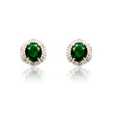 Pair of emerald earrings isolated Royalty Free Stock Photos