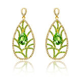 Pair of emerald earrings  Royalty Free Stock Photos