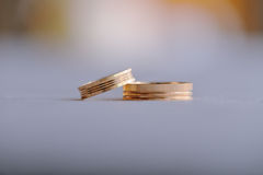 Pair of gold wedding rings Royalty Free Stock Photography
