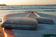 Pair of oars in front of the sea Royalty Free Stock Photos