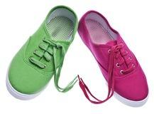 Paire de chaussures avec des lacets au coeur Image libre de droits