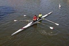 Paires Coxless sur la rivière Avon, Stratford-sur-Avon Photos stock
