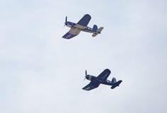 Paires d'avions de combat de corsaire image libre de droits
