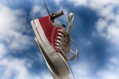 Paires d'espadrilles rouges Image stock