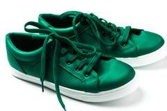 paires d'espadrilles vertes Photographie stock libre de droits