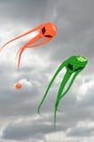 Paires de cerfs-volants d'envahisseur de l'espace Images stock