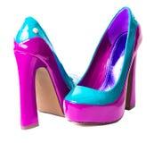 Paires de chaussures de talon haut sur le blanc Images stock