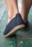 Paires de chaussures dehors Photo stock