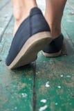 Paires de chaussures dehors Images libres de droits