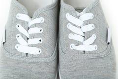 Paires de chaussures grises Images libres de droits