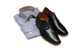 Paires de chaussures noires et de SH neuf Images libres de droits