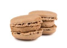 Paires de macarons français bruns photo stock