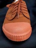 Paires de nouvelles chaussures de toile Photos stock