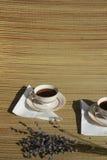 Paires de rétro cuvettes de café Images stock