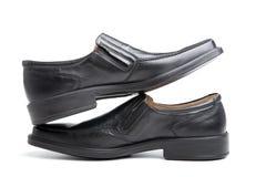 Paires des chaussures de l'homme de couleur Photographie stock libre de droits