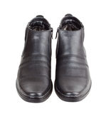Paires des chaussures de l'homme de couleur Images stock