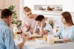 Pais emocionais que gritam em seu filho Fotos de Stock Royalty Free